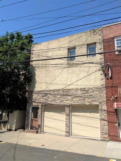 Guttenberg Multi Family Home For Sale: 7011 Polk St