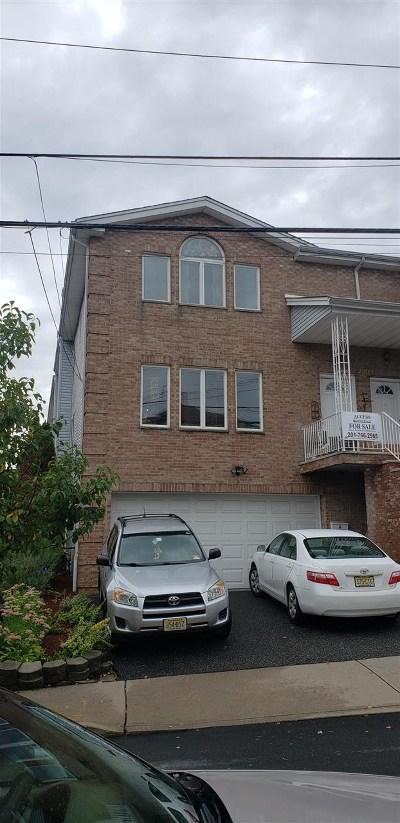 Cliffside Park Condo/Townhouse For Sale: 220 Cliff St #A