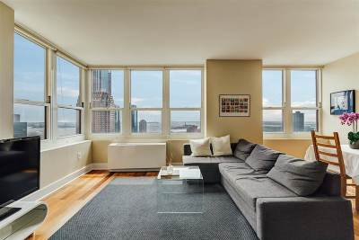Jersey City Condo/Townhouse For Sale: 88 Morgan St #3708
