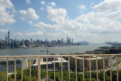 West New York Condo/Townhouse For Sale: 6040 Blvd East #12D
