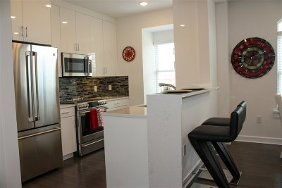 Jersey City Condo/Townhouse For Sale: 972 Summit Ave #103