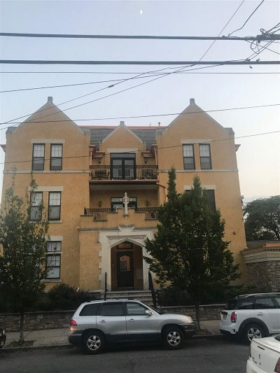 Bayonne Condo/Townhouse For Sale: 36 West 14th St #101