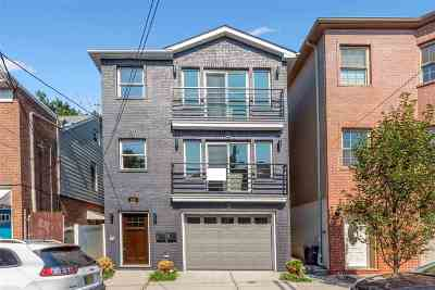 Jersey City Condo/Townhouse For Sale: 125 New York Ave #2