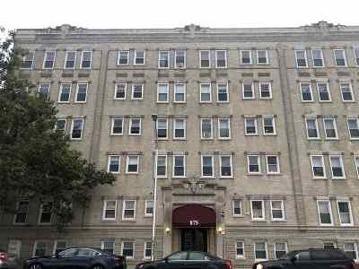 Weehawken Condo/Townhouse For Sale: 875 Blvd East #9