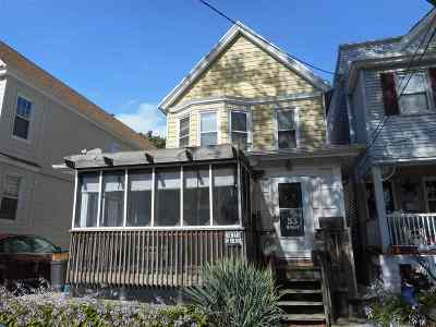 Bayonne Single Family Home For Sale: 33 West 42nd St