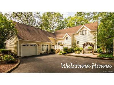 Stafford Twp NJ Single Family Home For Sale: $549,900