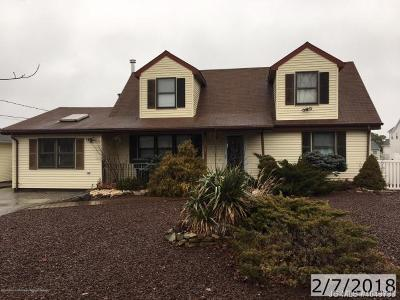 Toms River NJ Single Family Home For Sale: $203,000
