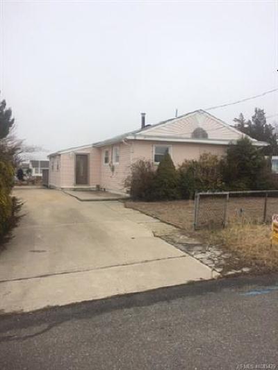 Single Family Home For Sale: 115 Delaware Drive E