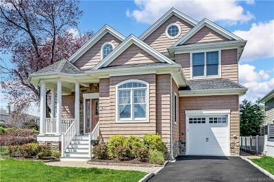 Ocean County, Monmouth County Single Family Home For Sale: 411 Newark Avenue