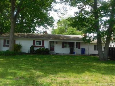 Toms River NJ Single Family Home For Sale: $192,900