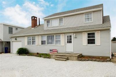 Ocean County, Monmouth County Single Family Home For Sale: 403 Ocala Court