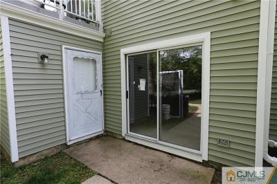 South Brunswick NJ Condo/Townhouse Closed: $128,000