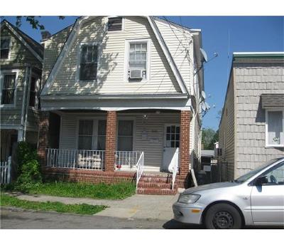 Perth Amboy Multi Family Home For Sale: 560 Penn Street