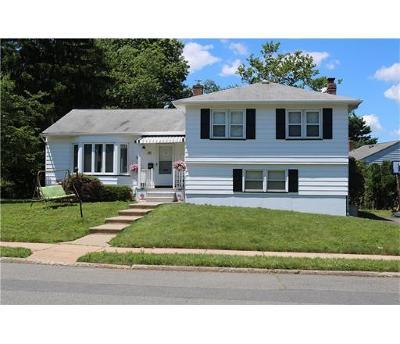 Edison Single Family Home For Sale: 20 Ryan Road