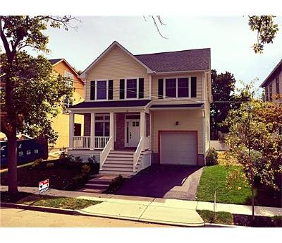 Metuchen Single Family Home For Sale: 80 Maple Avenue