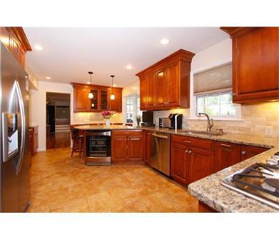 North Edison Single Family Home For Sale: 77 Livingston Avenue