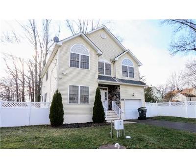Iselin Single Family Home For Sale: 11 Regina Street