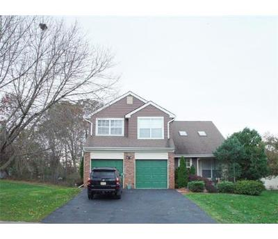 Somerset County Single Family Home For Sale: 2 Denbigh Drive