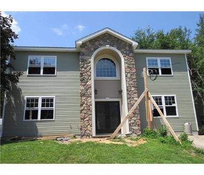 Sayreville Single Family Home For Sale: 43 Pinetree Drive