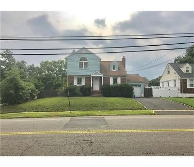 South Plainfield Single Family Home For Sale: 1636 Clinton Avenue
