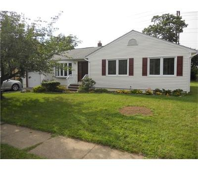 Edison Single Family Home For Sale: 40 Edgemount Road