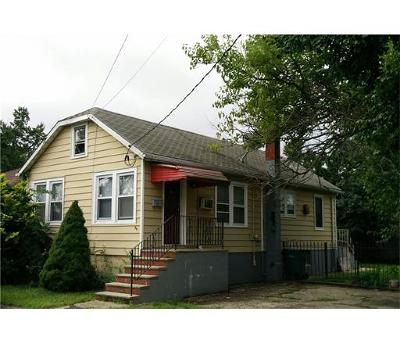 Old Bridge Single Family Home For Sale: 34 Summerfield Avenue