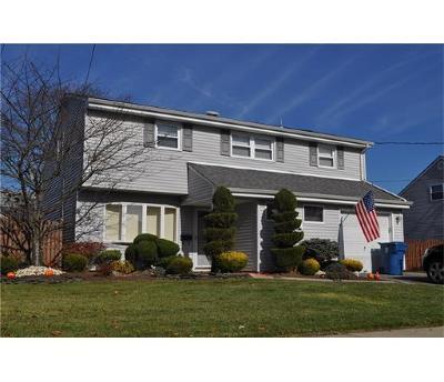 OLD BRIDGE Single Family Home For Sale: 28 Albert Drive