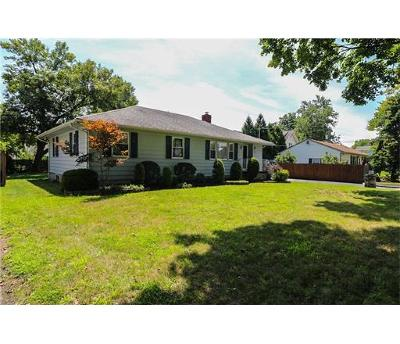 Piscataway Single Family Home For Sale: 1675 Meister Street