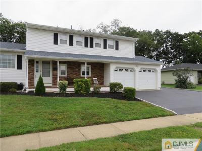 Sayreville Single Family Home For Sale: 20 Surrey Lane