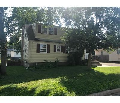 Edison Single Family Home For Sale: 73 Taft Avenue