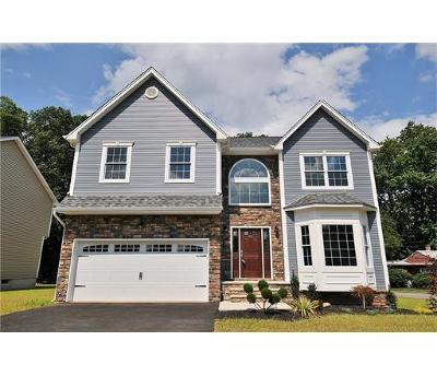 Colonia Single Family Home For Sale: 95 Montrose Avenue
