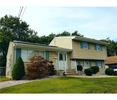 Old Bridge NJ Single Family Home For Sale: $319,950