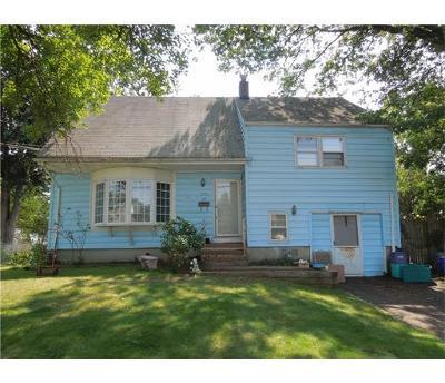 South Plainfield Single Family Home For Sale: 210 Ledden Terrace