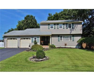 South Plainfield Single Family Home For Sale: 112 Surrey Road