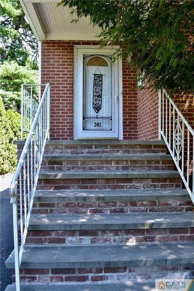 Metuchen Single Family Home For Sale: 201 Maple Avenue