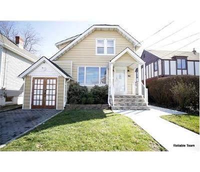 Woodbridge Proper NJ Single Family Home For Sale: $299,900
