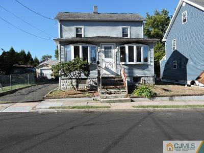 Single Family Home For Sale: 324 Cedar Street