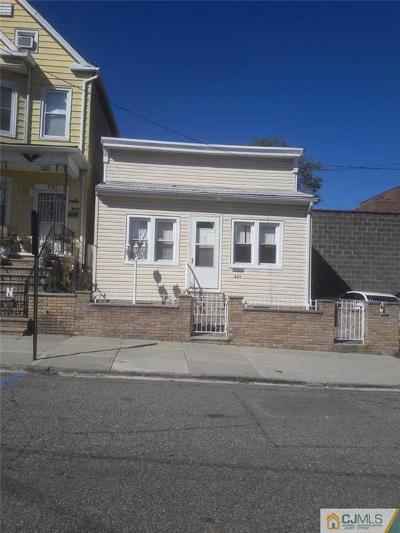Perth Amboy Single Family Home For Sale: 433 Lawton Place