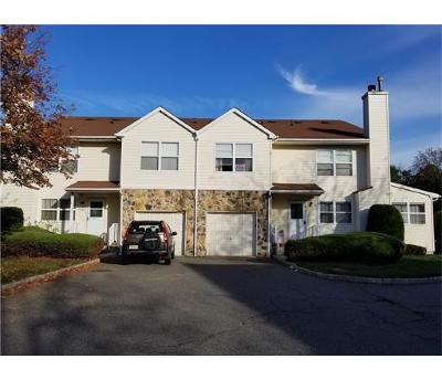 Piscataway Condo/Townhouse For Sale: 136 Keswick Drive