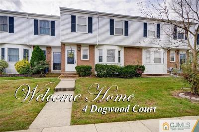 Sayreville Condo/Townhouse For Sale: 4 Dogwood Court