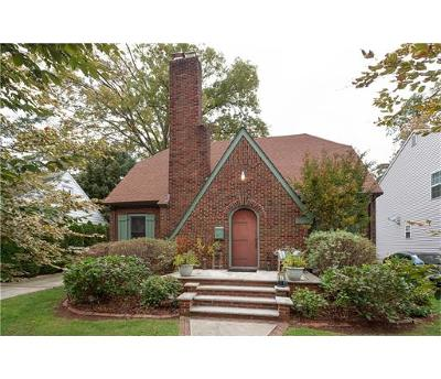 Metuchen Single Family Home For Sale: 39 Homer Place