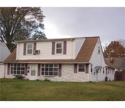 Iselin Single Family Home For Sale: 56 Washington Avenue