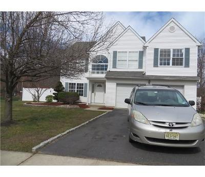 Sayreville Single Family Home For Sale: 2 Beth Anne Way