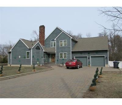 Metuchen Single Family Home For Sale: 220 Grove Avenue