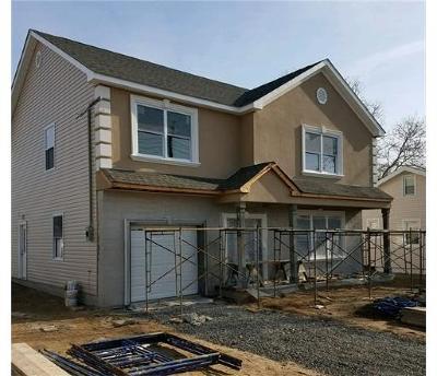 Sayreville Single Family Home For Sale: 221 Tyler Street
