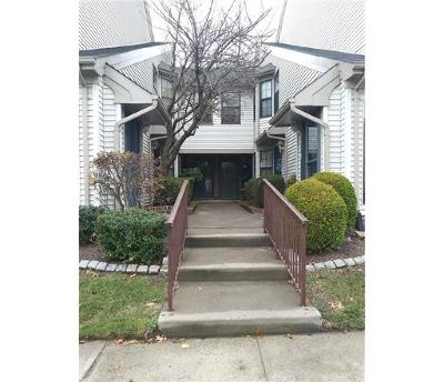 SAYREVILLE Condo/Townhouse For Sale: 2610 Lighthouse Lane #2610