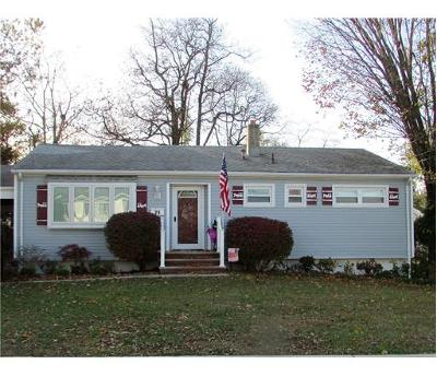 OLD BRIDGE Single Family Home For Sale: 29 Stoneybrook Drive