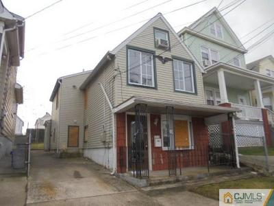 Perth Amboy Single Family Home For Sale: 299 Jeffries Street