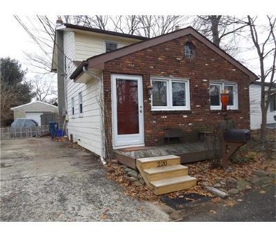 Monroe Single Family Home For Sale: 220 Fernhead Avenue