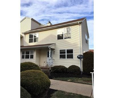 Piscataway Condo/Townhouse For Sale: 234 Bexley Lane #234